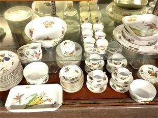 Royal Worcester Evesham Porcelain Dinner Service