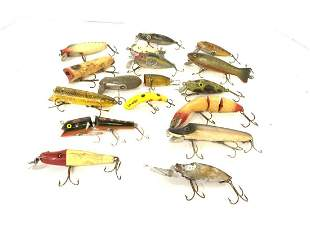 Lot of 17 Vintage Wooden Fishing Lures