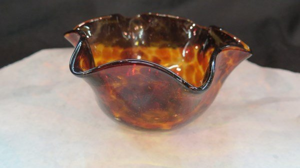 19th Century Tortoiseshell Art Glass Bowl