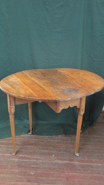 American c.1750 Queen Anne Drop Leaf Table