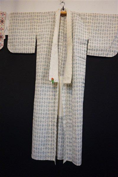 Three (3) Vintage Japanese Kaguri Kimonos - 4