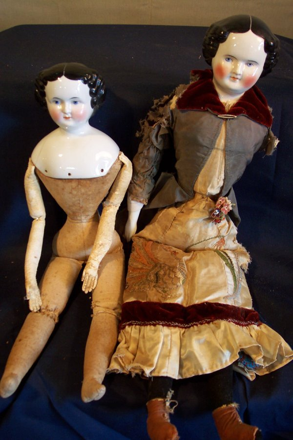 16: Two china head dolls, 22 and 18 inch, both as-is, l