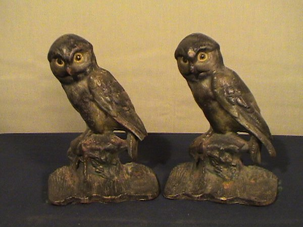 210: Pair of owl cast iron bookends, 6 inches tall, bot