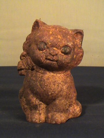 211: Hubley type cast iron cat bank, 5 inches tall, con