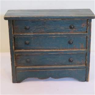 Folk art child's toy dresser