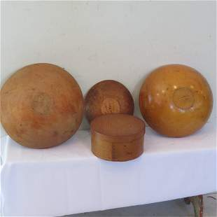 Group of 4 wood items
