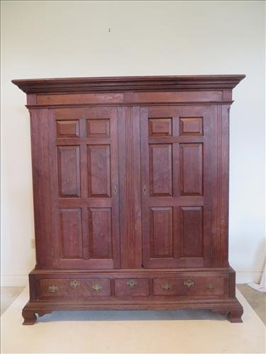Lancaster Co. walnut schrank