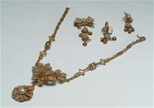 7: Fashion Handwired Gilt Faux Pearl Pa