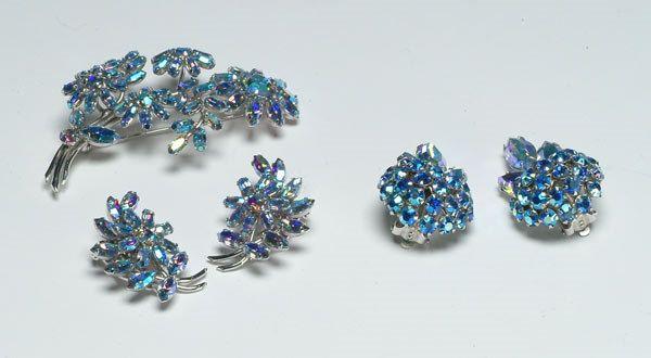 15: Fashion Blue Sherman Parure