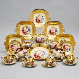Aynsley 'Cabbage Rose' Tea Service, J.A. Bailey, 20th