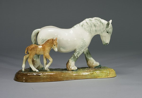 1020: Royal Doulton Pride of the Shires and Foal HN2523