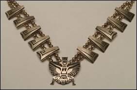 Native Art Hopi sterling silver necklace formed of t
