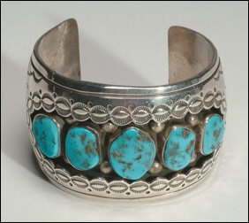 11: Native Art Navajo sterling silver open bangle forme