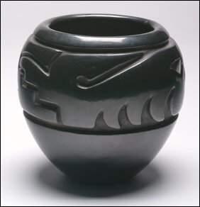 242a: Native Art Margaret Tafoya Black Pottery Vase, ht