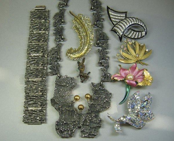 4: Quantity Of Costume Jewellery