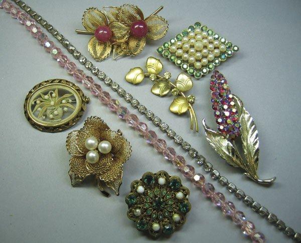 14: Small Quantity Of Costume Jewellery