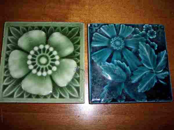 2 EARLY TRENT FLOWER MOTIF TILES
