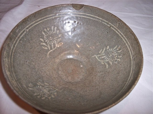 EARLY CENTURY CHINESE FLOWER DECORATED BOWL