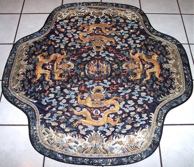 ANTIQUE IMPERIAL SILK DRAGON HANGING TAPESERY