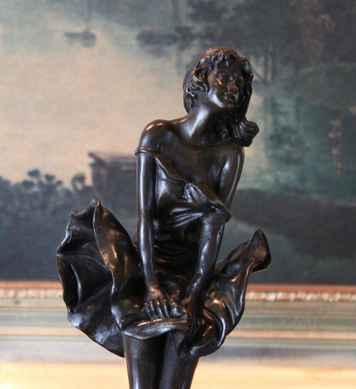 Marilyn Monroe Pose Bronze Sculpture