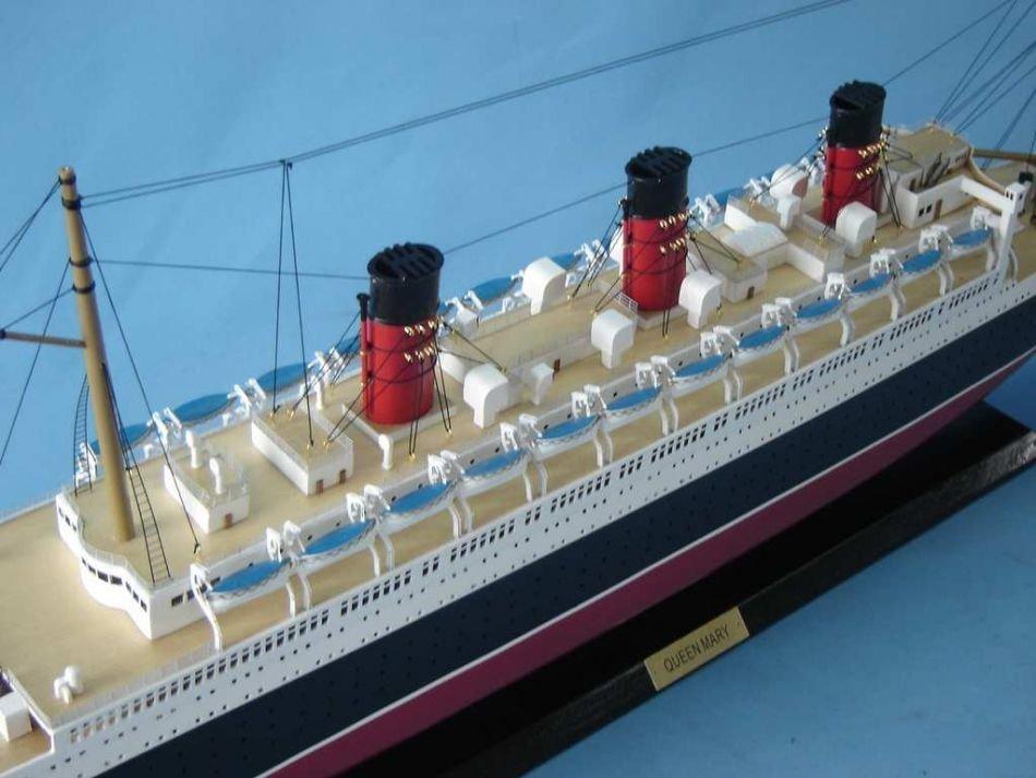 Queen Mary Model Ship - 10