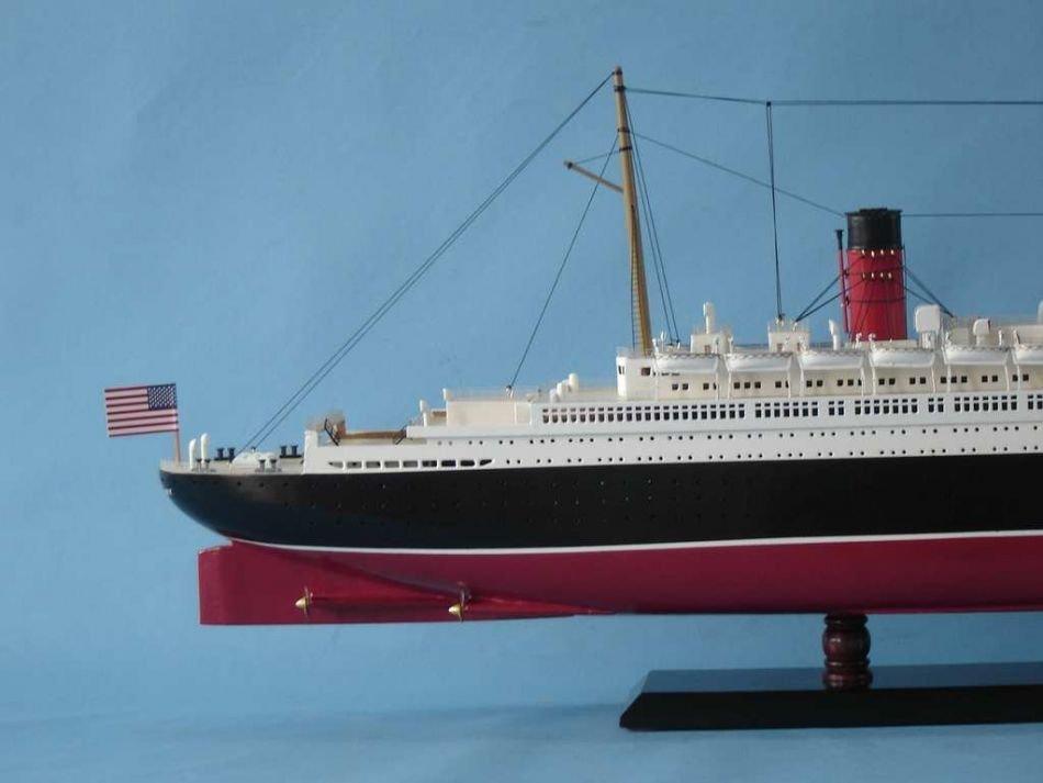 Queen Mary Model Ship - 4