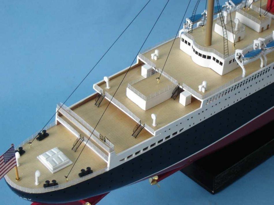 Queen Mary Model Ship - 9