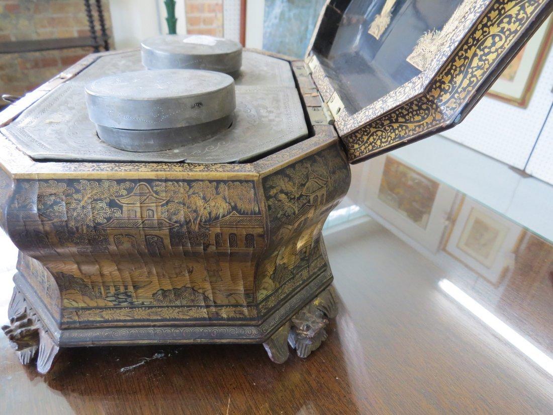 A Chinoiserie Tea Caddy. - 6