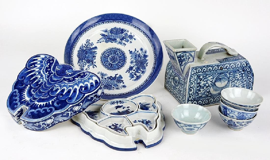 A Collection of Chinese Blue and White Porcelain Table
