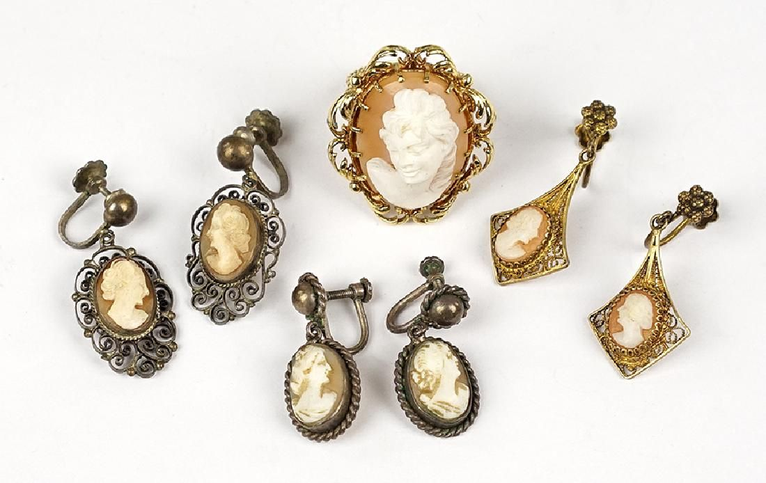 A Cameo Ring.