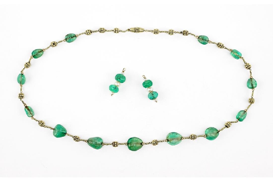 An Emerald Bead Necklace.