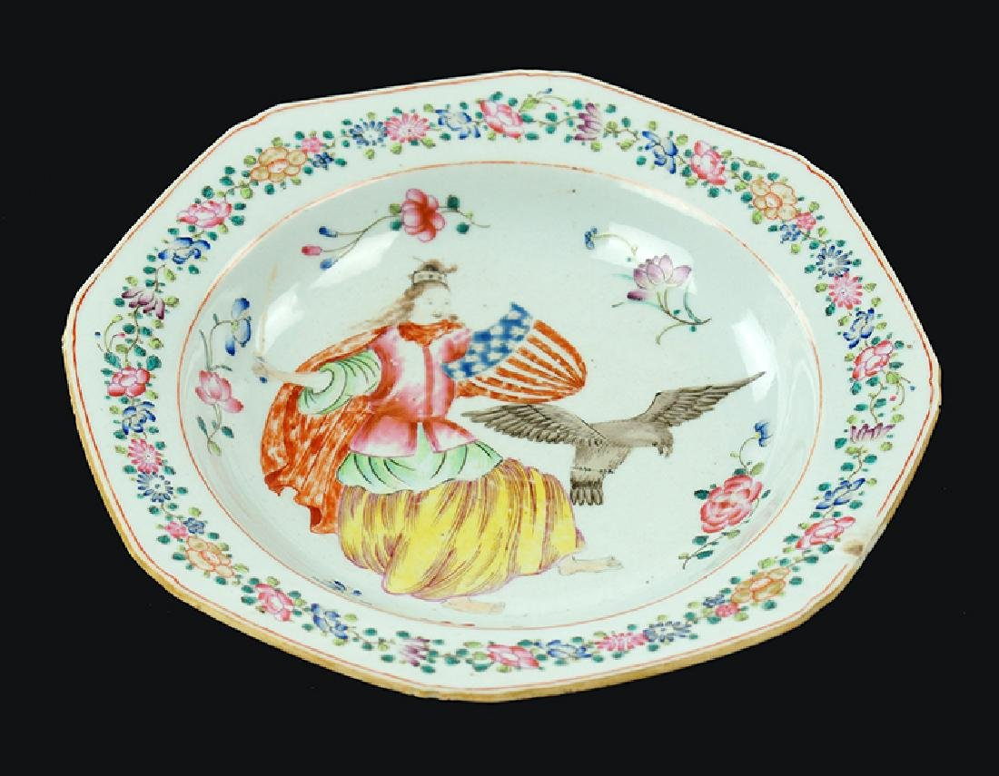 A Chinese Export Porcelain Dish.