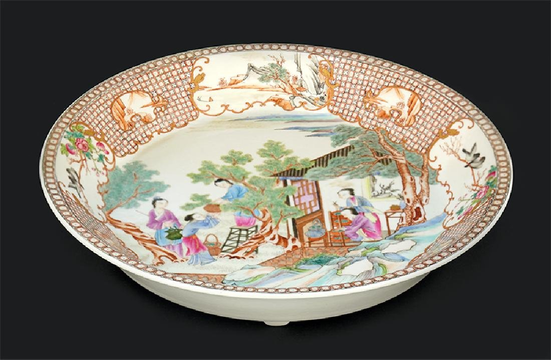 A Chinese Export Famille Rose Porcelain Charger.