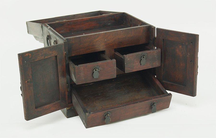 A Chinese Burlwood Box. - 2
