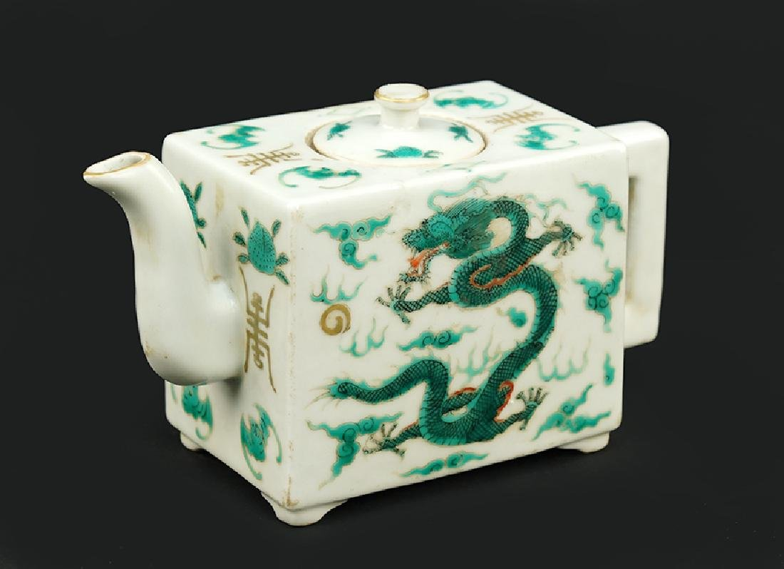 A Chinese Porcelain Teapot.