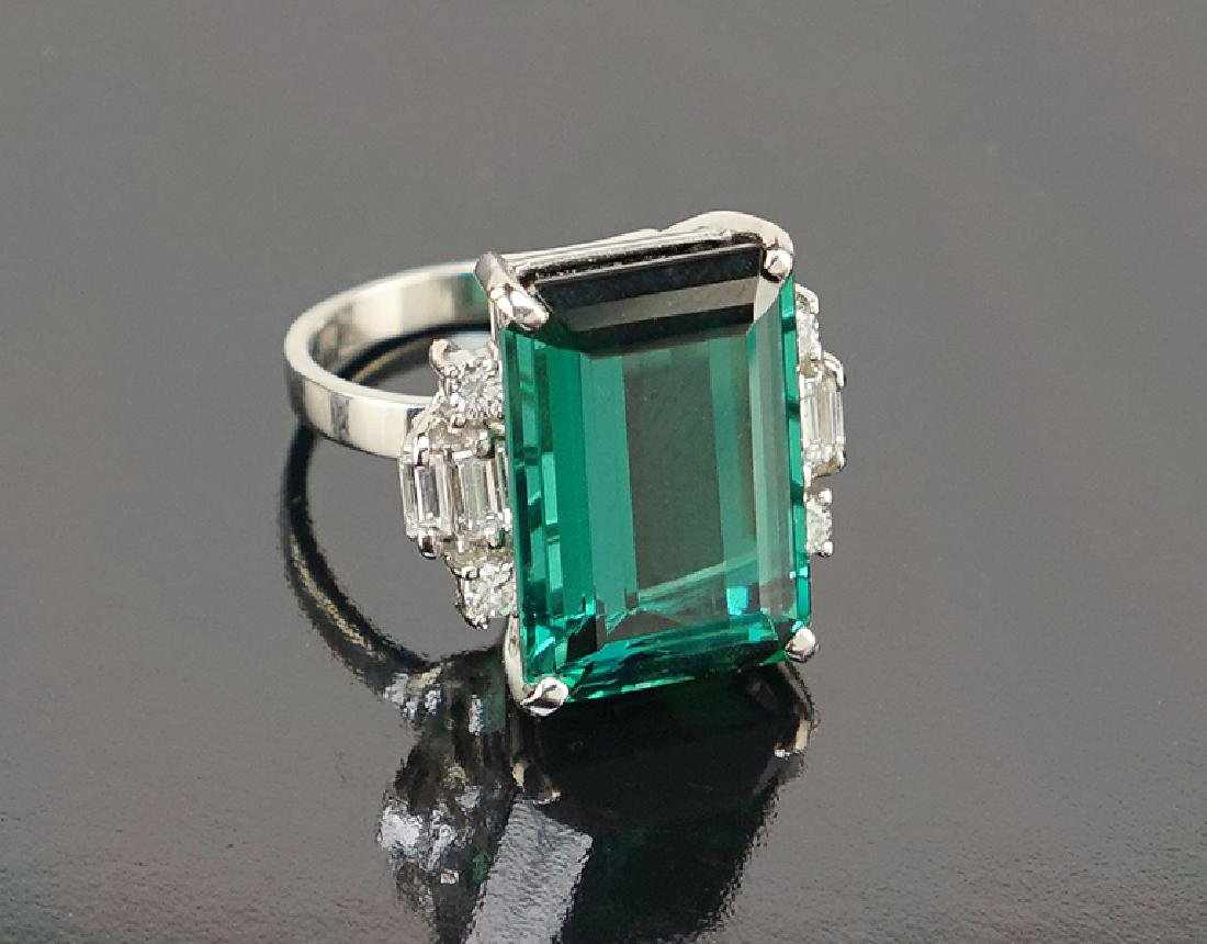 A Green Tourmaline Ring.