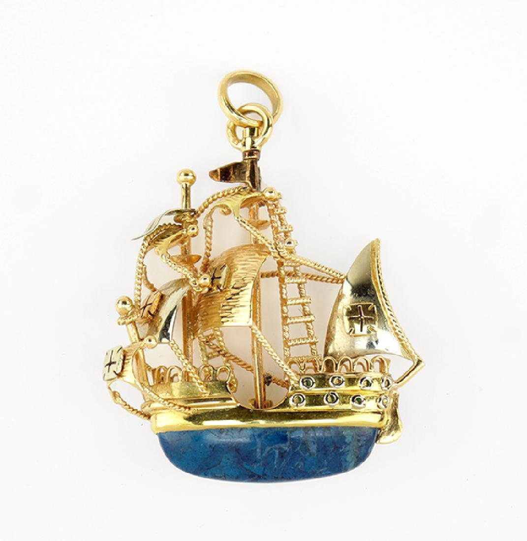 A Portuguese Gold Brooch / Pendant.