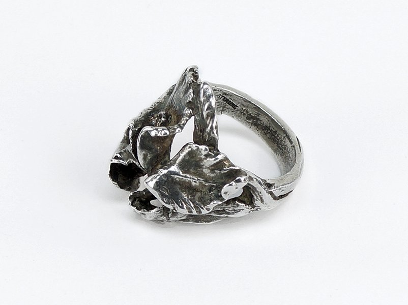 A Joseff of Hollywood Sterling Silver Ring. - 2