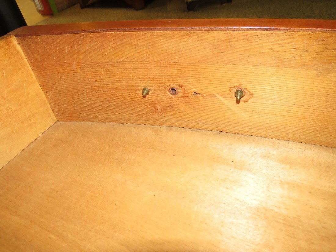 A Federal Mahogany Bow Front Chest. - 3