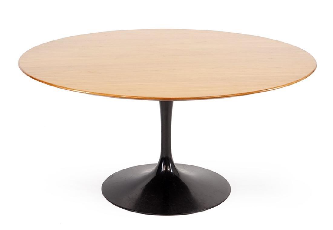 An Eero Saarinen for Knoll 'Tulip' Table.
