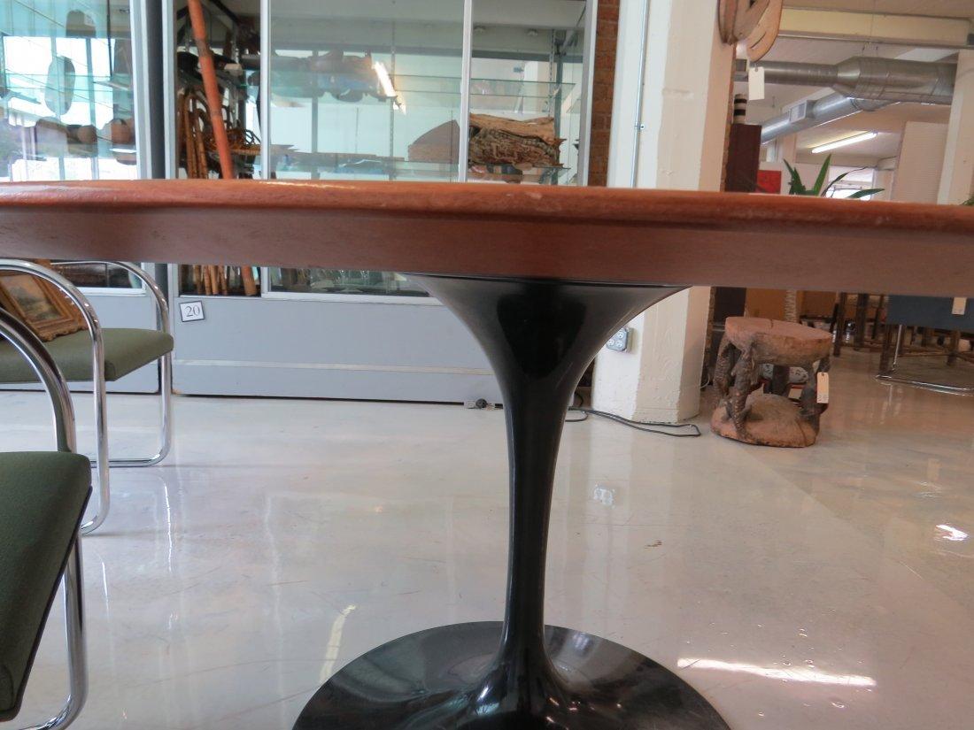An Eero Saarinen for Knoll 'Tulip' Table. - 7