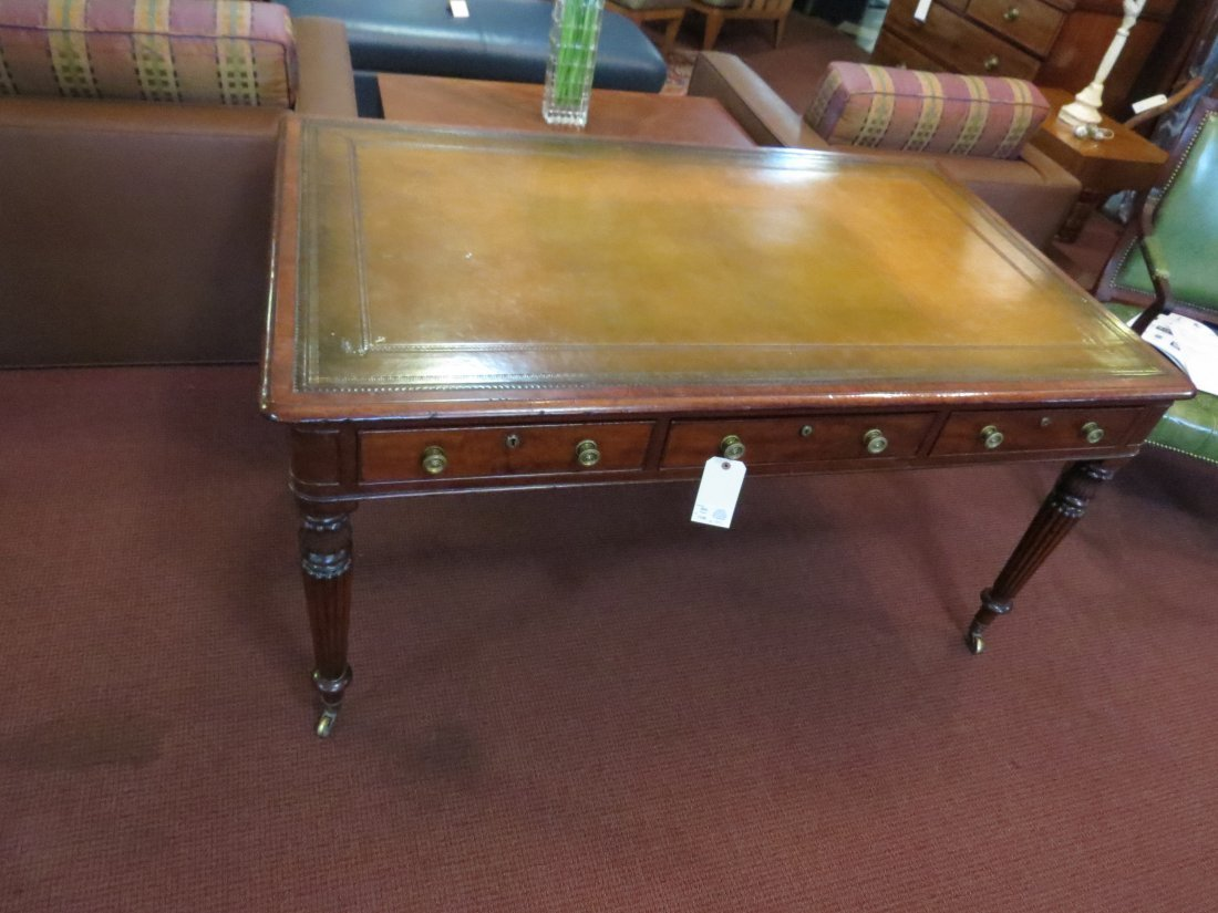 A William IV Mahogany Partner's Desk. - 3