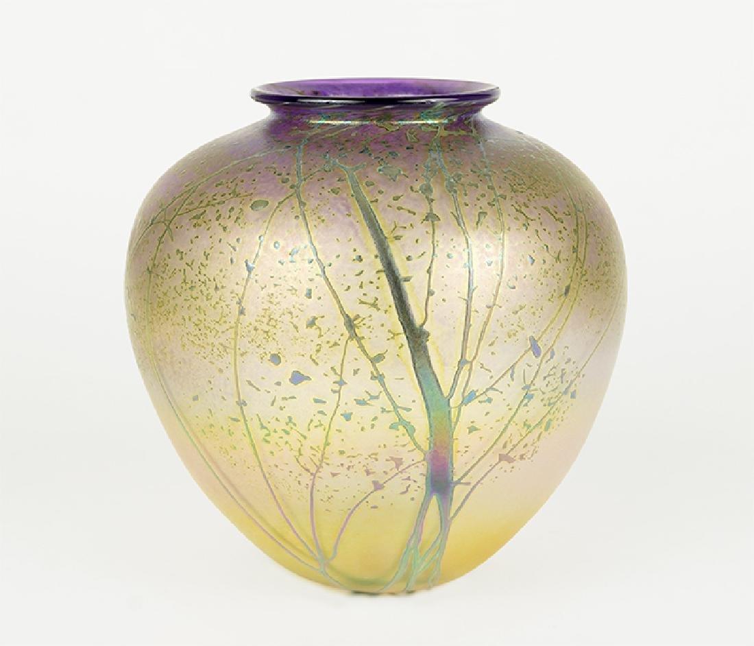 A Peet Robinson Art Glass Vase.