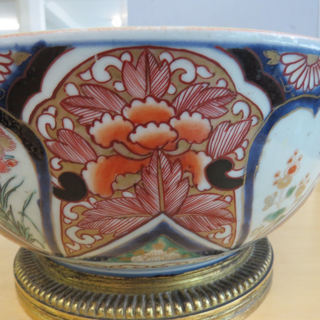 An 18th Century Chinese Imari Porcelain Tureen. - 10
