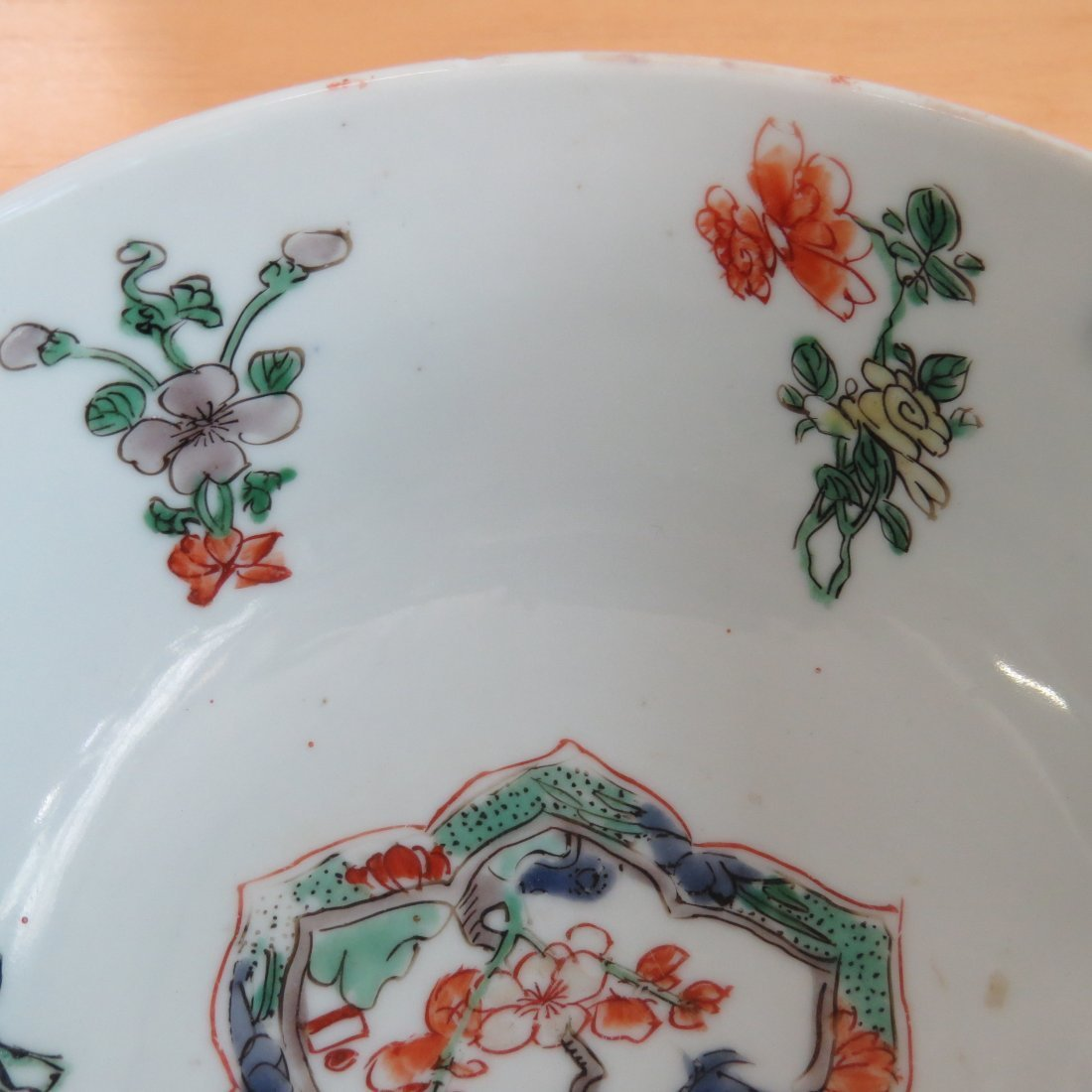 An 18th Century Chinese Famille Verte Porcelain Bowl. - 4