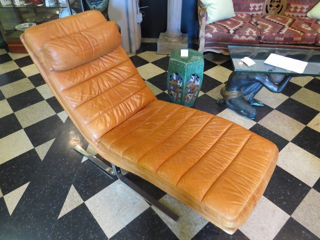 A Walter Knoll for Brayton Leather Chaise Longue. - 3