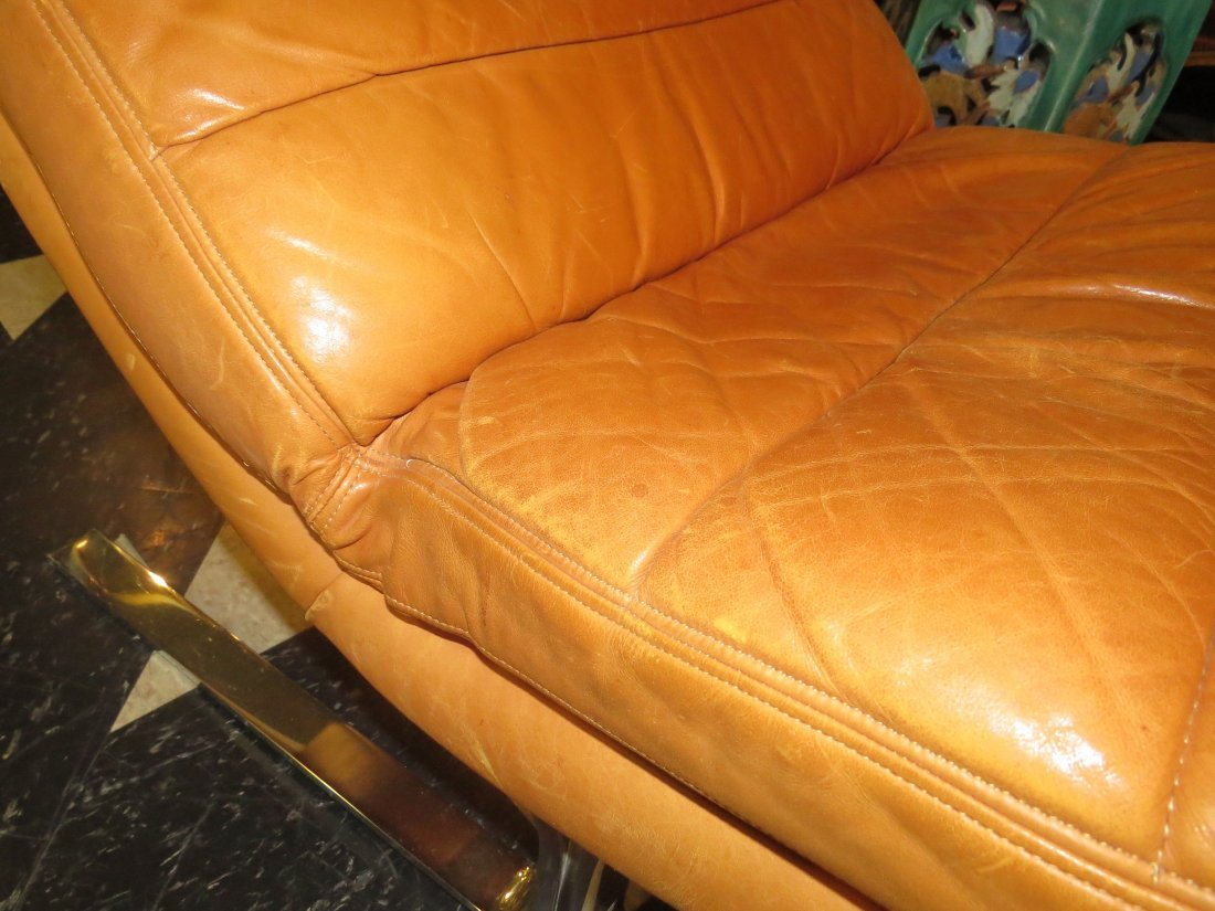 A Walter Knoll for Brayton Leather Chaise Longue. - 4