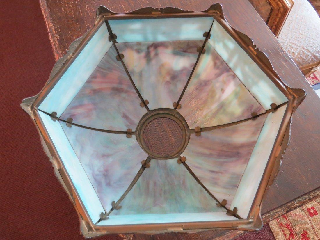 A Miller Lamp Co. Slag Glass Lamp. - 2