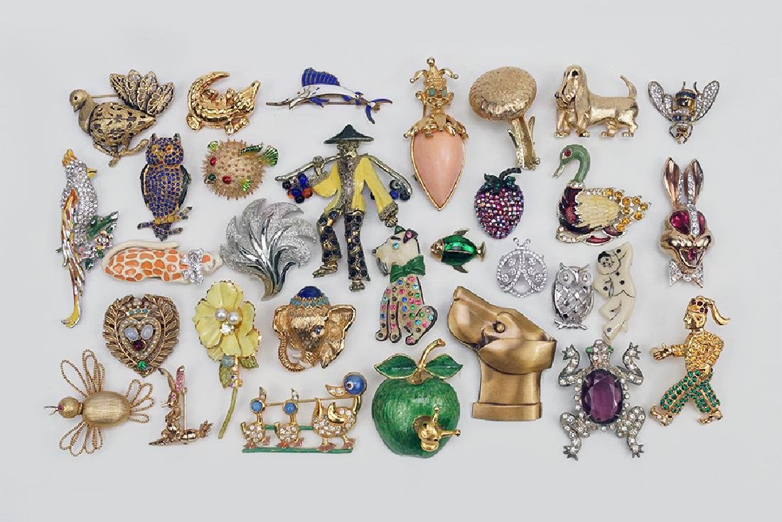 A Collection of Brooches.