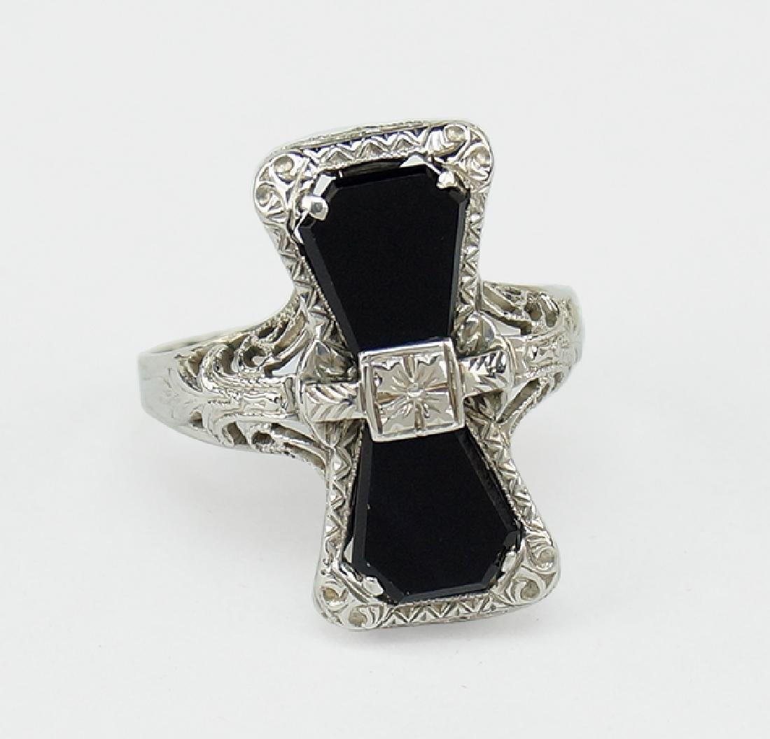 An Onyx Ring. - 2